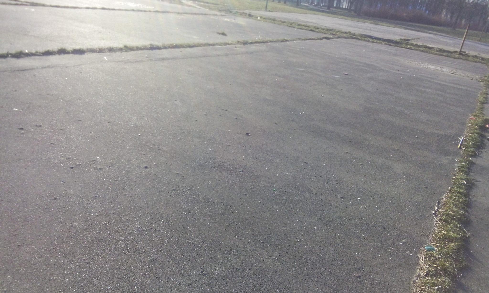 Własna ślizgawka przed blokiem